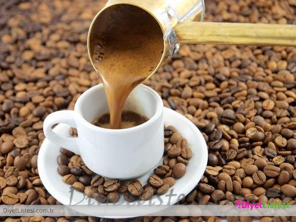 Kıvamlı ve bol köpüklü Türk kahvesi nasıl yapılır? Hürriyet Aile ...